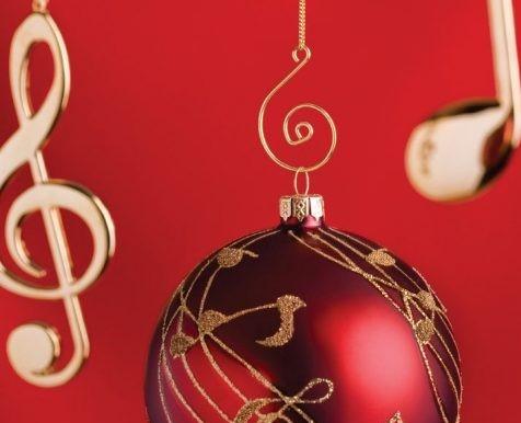 Un augurio musicale alla Dirigente, ai docenti, agli alunni e alle loro famiglie da parte delle classi ad indirizzo musicale